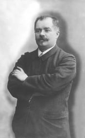 Lucien DESCAVES